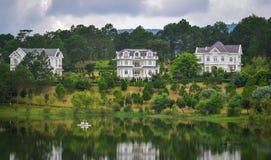 湖风景在大叻,越南 库存图片