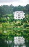 湖风景在大叻,越南 免版税库存照片