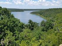 湖风景的Mineralwells俯视 免版税库存图片