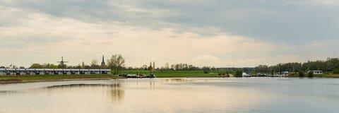 湖风景荷兰 免版税库存照片