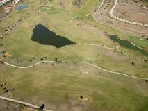 湖高尔夫球 免版税库存照片