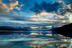 湖麦克唐纳在冰川国家公园,蒙大拿,美国 免版税图库摄影