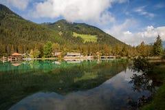 湖,白云岩阿尔卑斯,贝卢诺,意大利 免版税库存照片