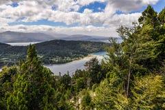 湖,巴里洛切,阿根廷的看法 免版税库存图片