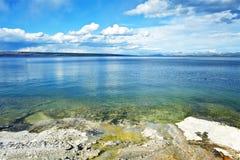 湖黄石风景 库存图片