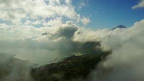 湖Batur美好的空中风景  股票录像