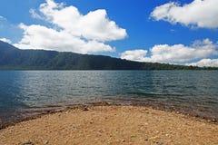 湖Beratan在Bedugul -巴厘岛010 免版税库存照片