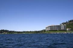 湖Coeur d `在斯波肯华盛顿附近的Alene爱达荷 图库摄影