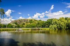 湖Dzban在狂放的Sarka -布拉格,捷克 图库摄影