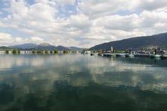 湖Egirdir在伊斯帕尔塔土耳其 免版税库存照片
