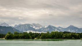 湖forggen和阿尔卑斯 库存图片