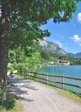 湖Haldensee, Tannheimer Tal,提洛尔,奥地利 免版税库存照片