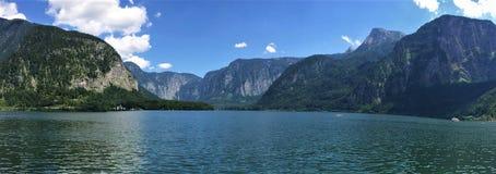 湖Hallstatt,奥地利另一个看法  库存照片
