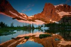 湖Helene的镜象反射 库存图片