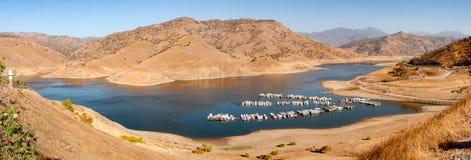 湖Kaweah在全景的加利福尼亚 库存图片