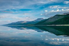 湖Khovsgol Khovsgol达赖,北蒙古 免版税库存照片