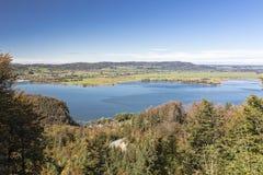 湖Kochelsee在巴伐利亚,德国 免版税库存图片