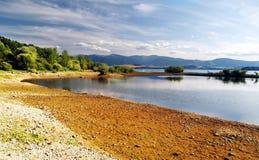湖liptovska mara岸 库存图片