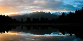 湖Matheson在黎明 库存照片