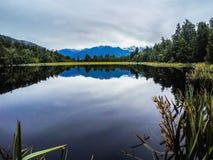 湖Matheson,西海岸,新西兰 免版税库存图片