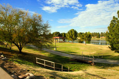 湖mckellips公园 免版税库存图片