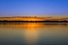 湖nagambie的曙暮光区 图库摄影