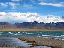 湖namsto场面西藏 免版税图库摄影