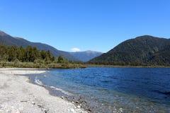 湖Paringa,西海岸,南岛,新西兰 免版税库存照片