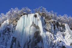 湖plitvice雪冬天 库存照片