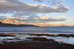 湖s西藏 免版税库存照片