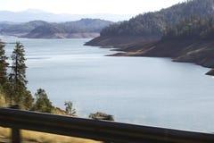 湖Shasta,北加利福尼亚 库存图片