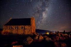 湖Tekapo,新西兰夜空  免版税图库摄影