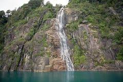 湖Todos洛斯桑托斯,智利 免版税库存照片