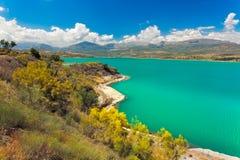 湖Vinuela一个晴天,安大路西亚,西班牙 库存图片