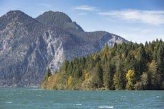 湖Walchensee在南德国 免版税库存图片