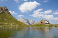 湖Wolayersee在Lesachtal克恩顿州奥地利 图库摄影
