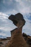 湾里区、新北市、台湾Yehliu Geopark和摆尾蘑菇型岩石奇怪的岩石风景 免版税图库摄影