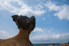 湾里区、新北市、台湾Yehliu Geopark和蘑菇型石岩石风景 免版税图库摄影