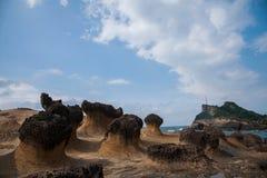 湾里区,新北市,台湾Yehliu Geopark奇怪的岩石风景 图库摄影