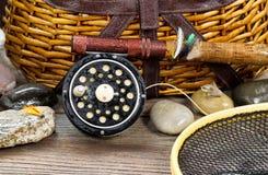 湿古色古香的捕鱼装置 库存照片