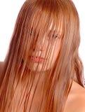 湿女孩的头发 免版税库存图片