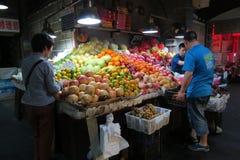 湿市场在街市上海 图库摄影
