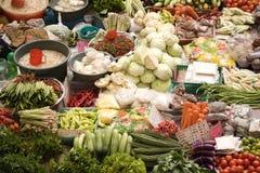 湿市场的蔬菜 库存图片