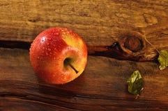 湿的苹果 免版税图库摄影