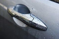 湿的车门 库存照片