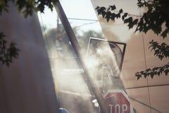 湿空气冷却器都市空调薄雾系统 免版税库存图片