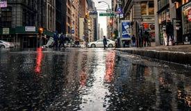 湿街道在纽约 免版税图库摄影