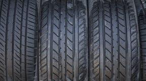 湿轮胎关闭  免版税库存照片