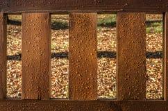 湿长木凳返回 库存照片