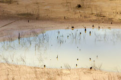 水源精疲力尽,天旱土地,水安全 免版税库存图片